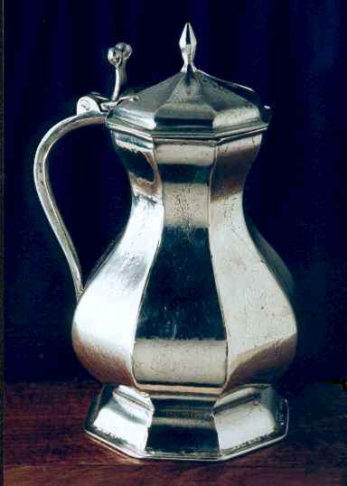 IMAGE(http://www.pewterreplicas.co.uk/second%20site%20pictures/medieval%20flagon.jpg)